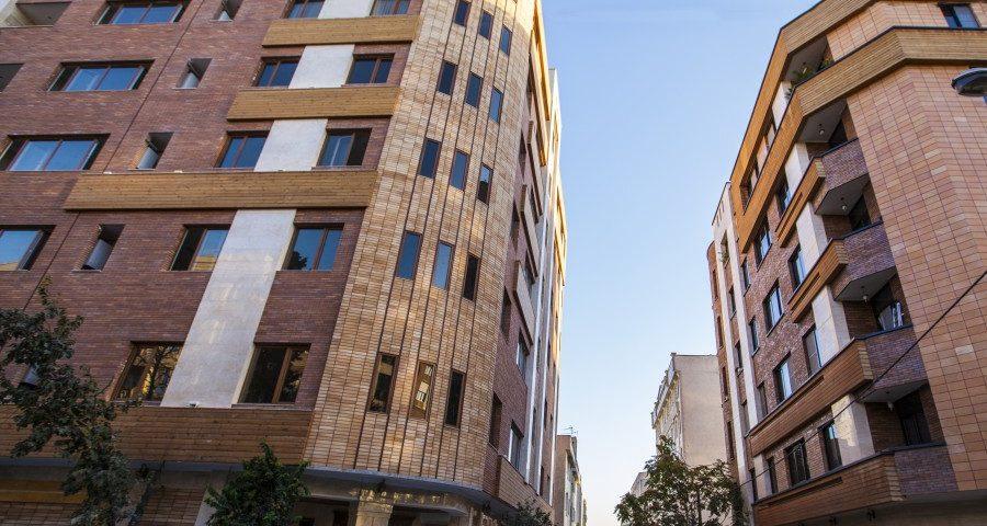 بلوار فردوس نمای چوبی ساختمان