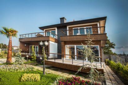 gily-Wooden-facade
